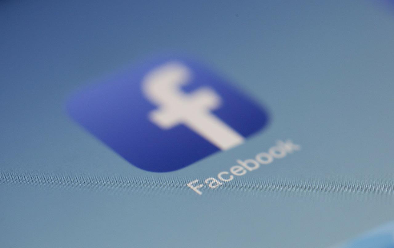 relation client sur facebook