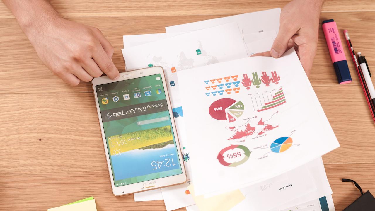 smart-data-big-data-logos